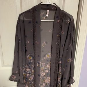 Very pretty sheer floral cardigan